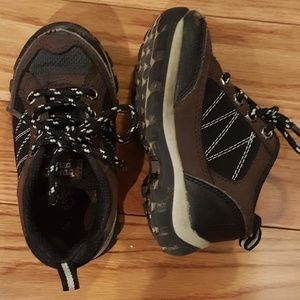 Buster Brown lace up size 7 sneakers